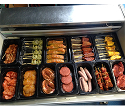 vlees-Vlees-vismix tapas 10 stuks p.p. € 12.50